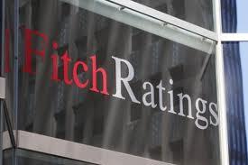 Fitch prevé recesión leve en la eurozona y destaca problemas banca española