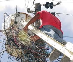Imponen coerción a cinco personas acusadas de fraude eléctrico