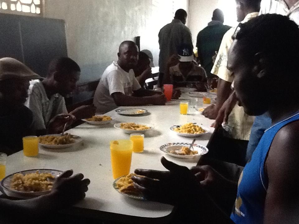 Brasil destina medio millón de dólares para asistir haitianos en la Amazonía