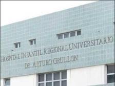 Mediante protesta piden cancelación encargada RR. HH. en un hospital de Santiago
