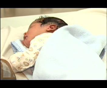 Nace primer bebé del 2012 en la maternidad La Altagracia