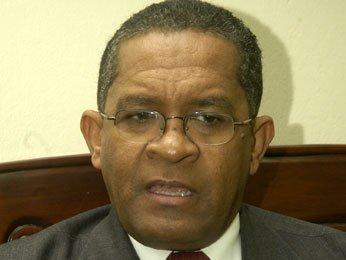 Rector UASD dice no tener dinero para pagar a SISALRIL