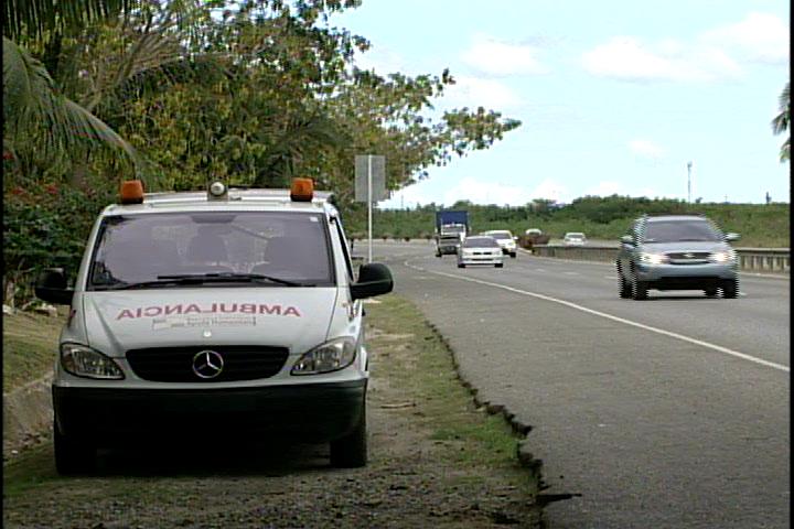 Al menos cinco personas heridas por accidente de tránsito en feriado, según el COE