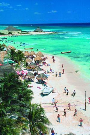 Algunos dominicanos prefirieron visitar playas que dirigirse a Higüey o a las iglesias