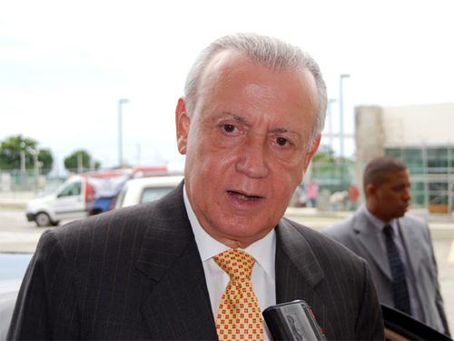 Alburquerque asistirá a investiduras de Ortega y Pérez Molina
