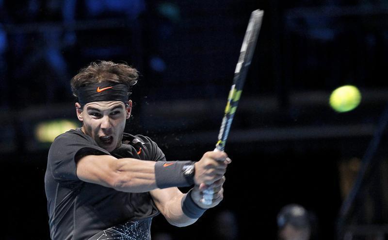 Nadal sigue firme y Federer no tuvo ni que saltar a la pista
