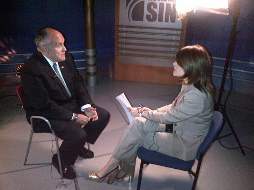 Alicia Ortega entrevista a Rudolph Giuliani para El Informe