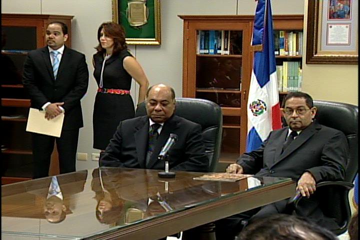 SCJ entrega 309 expedientes que pertenecen al Tribunal Constitucional