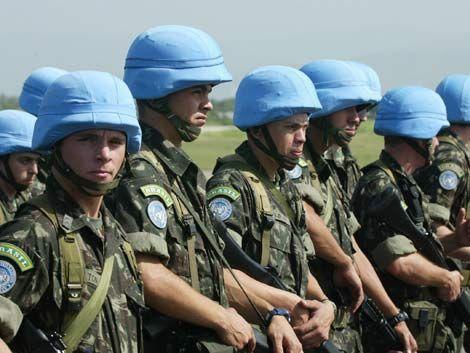 El Congreso boliviano autoriza viaje de una compañía de cascos azules a Haití