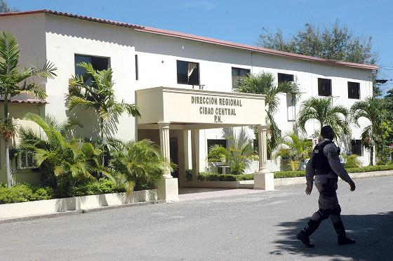 PN recupera dos armas de fuego y ocupa drogas
