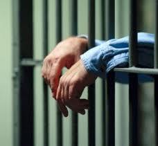 Dictan prisión preventiva a tres hombres acusados de falsificación