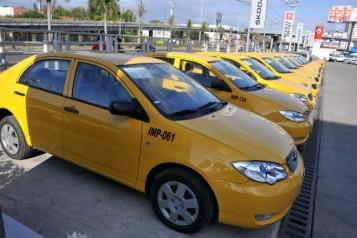 Dejar vehículo mal parqueado le ha costado tres meses de trabajo a un taxista