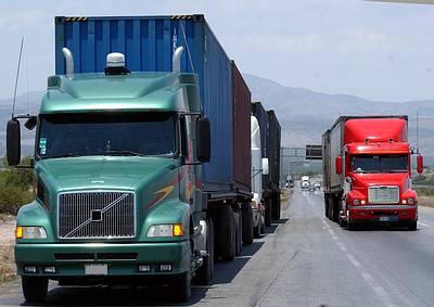 MOPC advierte camiones que derramen cemento fresco en vías serán sancionados