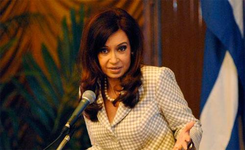 Presidenta argentina afirma que atacan su país porque es autónomo y viable