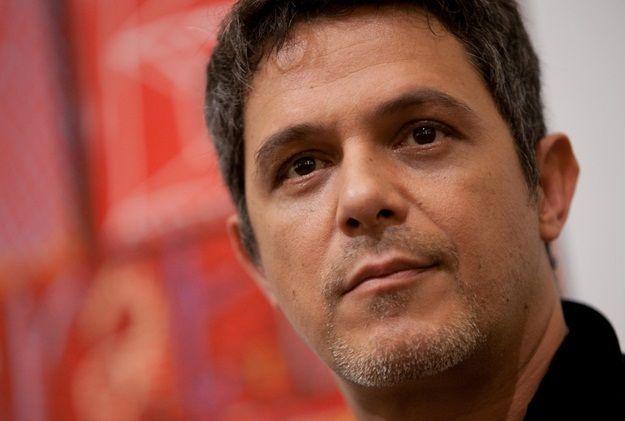 Alejandro Sanz celebra al rey Felipe VI, pero cuestiona sabiduría de Maduro