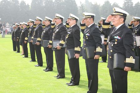El Gobierno español avanza que reducirá los efectivos de las Fuerzas Armadas