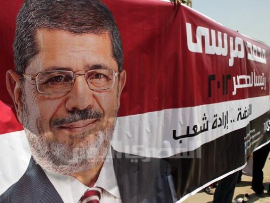Los Hermanos Musulmanes proclaman la victoria de Mursi en la primera vuelta