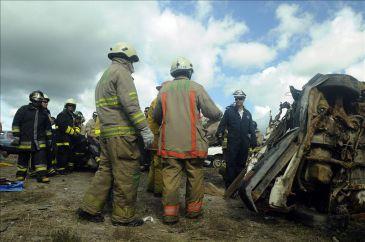 Dos accidentes carretera en Colombia dejan 55 heridos, 32 de ellos policías