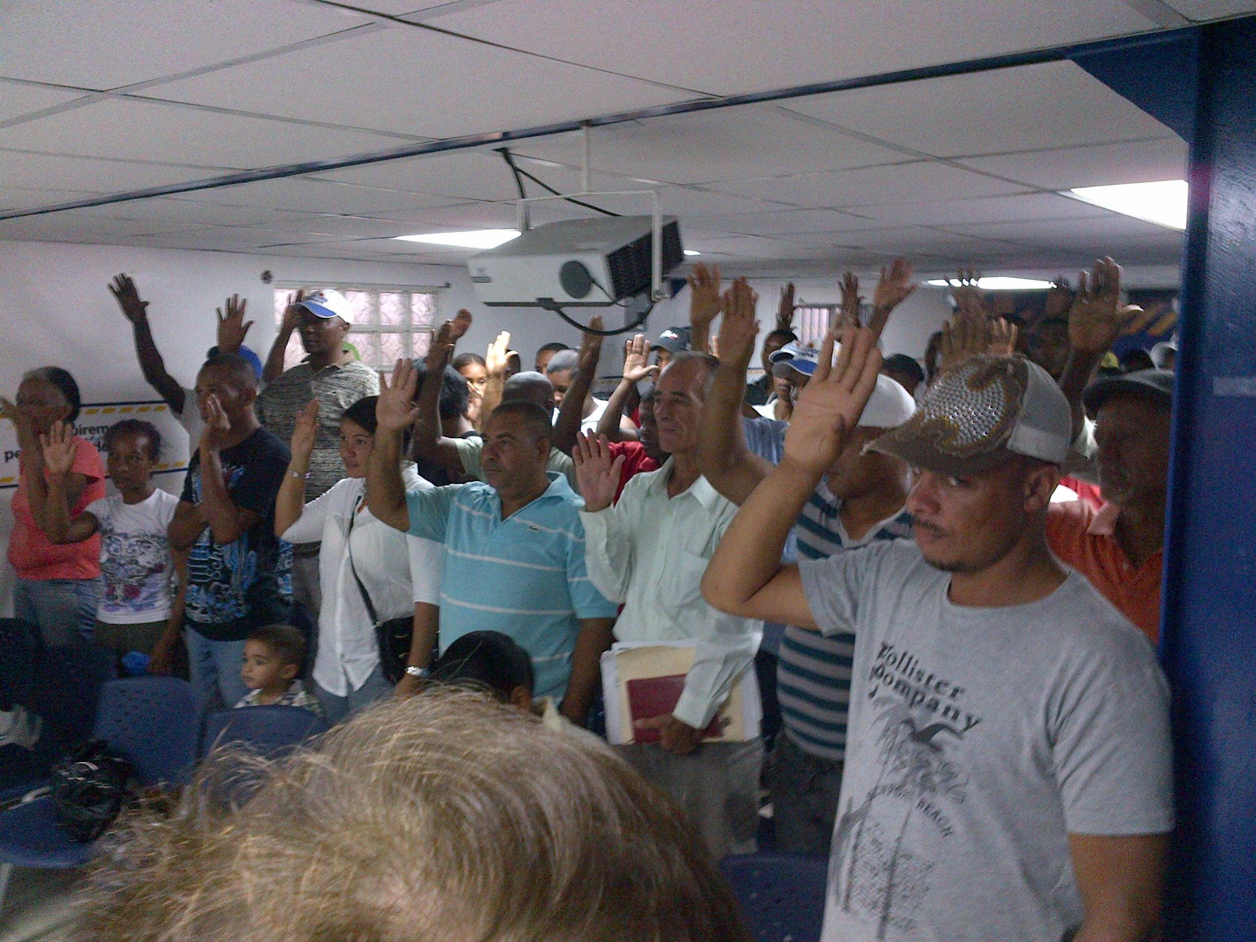 Then juramenta movimiento de 57 mil miembros que apoyaban a Danilo Medina