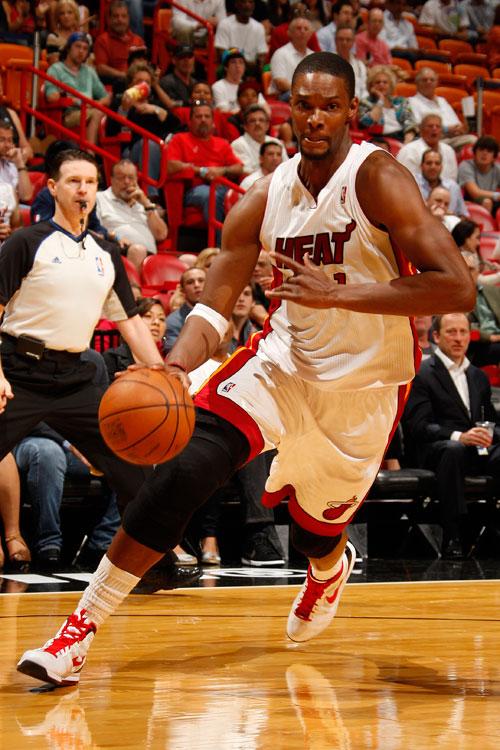 Bosh sufre una lesión abdominal y será baja indefinida con los Heat