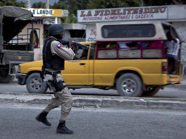La Policía de Haití detiene a entre 20 y 50 paramilitares