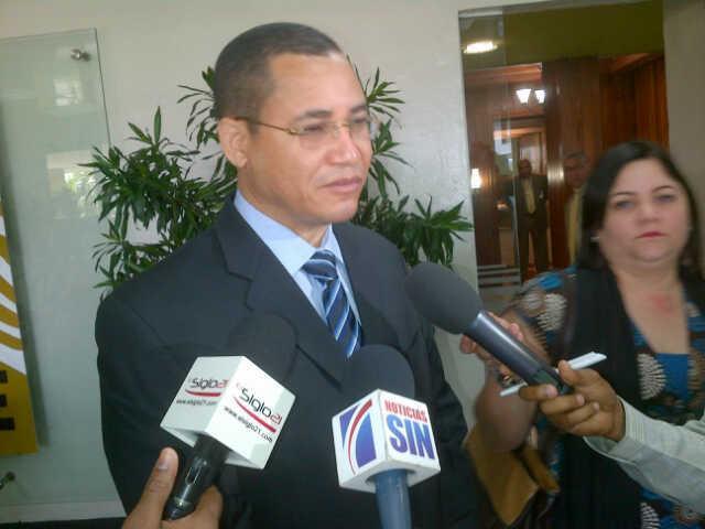 Eddy Olivares advierte militares no deben involucrarse en política