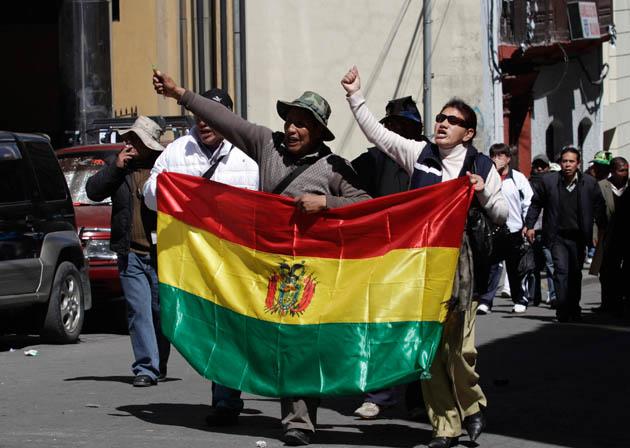 El partido de Evo Morales acusa a opositores de conspirar para dar un golpe