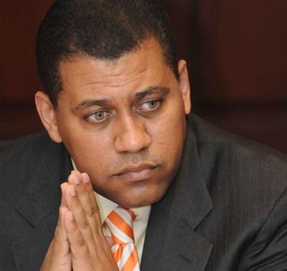 Intentan abultar el padrón del PRD con personas de otras entidades, insiste Guido Gómez