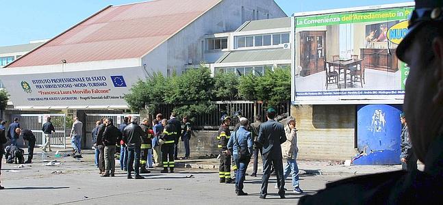 Italia conmocionada por el atentado contra un instituto