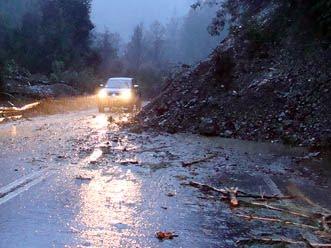 Temporal de lluvias dejó en la zona central de Cuba 1,156 derrumbes de casas