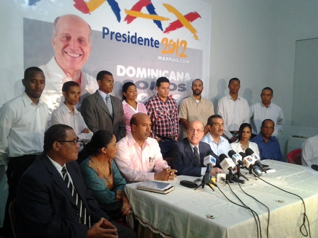 Danilo Medina ganó por uso excesivo de recursos del Estado, según Max Puig