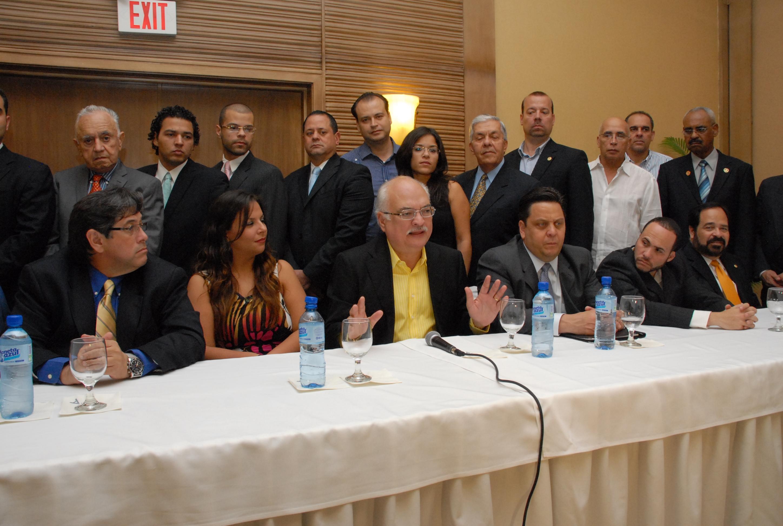 Observadores invitados por el PRD afirman  compra de cédula  distorsiona la democracia