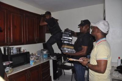 DNCD decomisa 20 kilos de cocaína y apresa integrantes de supuesta red