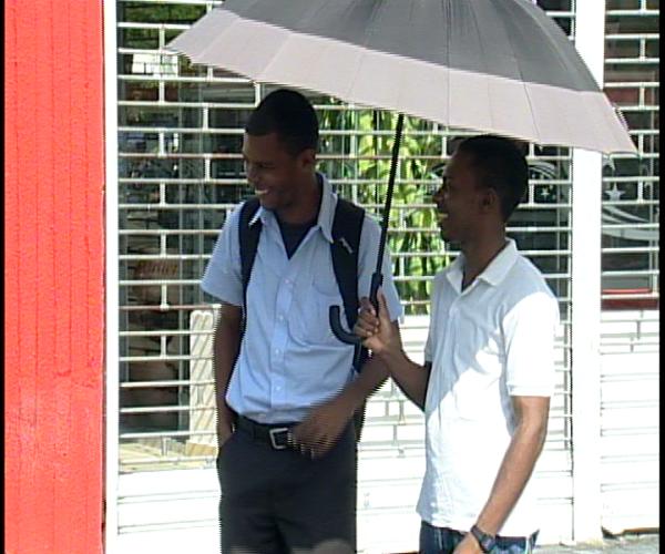 Personas consultadas en calles opinan sobre conflicto PRD