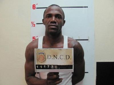 Apresan hombre vendiendo drogas que creían cumplía condena de 5 años