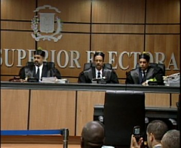 Facción perredeísta de Hipólito acudirá al tribunal Constitucional