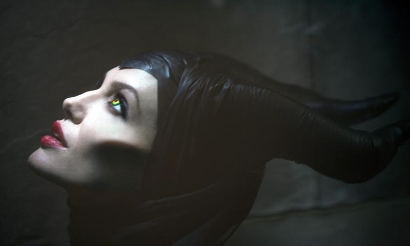 Angelina Jolie ya posa como la bruja maléfica de