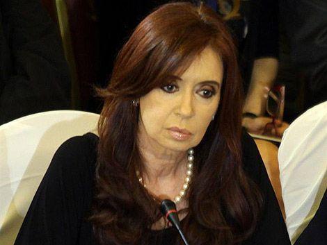 Cristina Fernández llega a tribunales citada por presuntos delitos