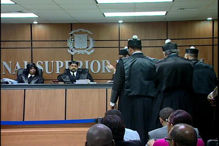 TSE reanuda audiencia para discutir alegatos de facción Hipólito ante conflicto PRD