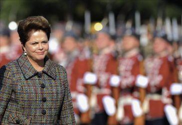 Felicitan a Rousseff por informe de crímenes de dictadura en Brasil