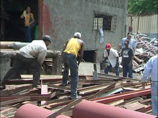 PN y Ministerio Público clausuran metalera en SDN