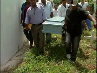 Sepultan restos de menor asfixiada con bufanda en Sabana Perdida