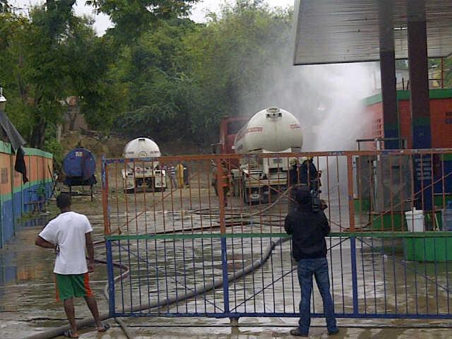 Evacuan cientos de familias por escape de Gas en una estación en Santiago