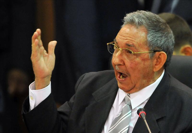 Raúl Castro confirma que los tres agentes cubanos ya están en La Habana