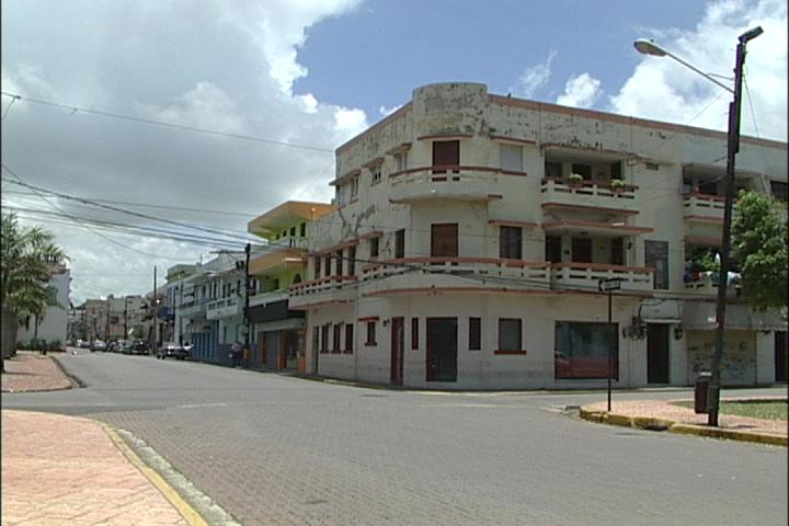 """Residentes de la Zona Colonial aseguran """"dormirán tranquilos"""" después de medidas de Interior y Policía"""