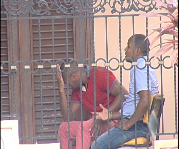 Encuentran armas de guerra y pertrechos militares durante un allanamiento en una vivienda