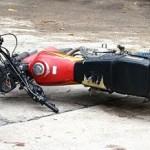 Mueren dos hombres transitaban en motocicleta chocó con jeepeta en Autopista Duarte