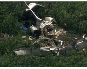 Al menos siete muertos al caer una avioneta bimotor en Brasil