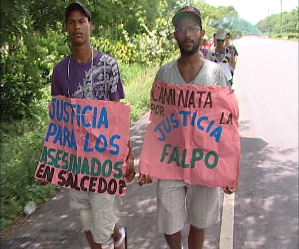 Procesión llega a la capital en demanda de esclarecer muertes violentas en Salcedo