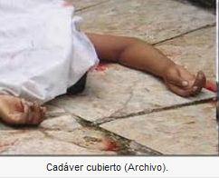 Hombre mata hermana a machetazos